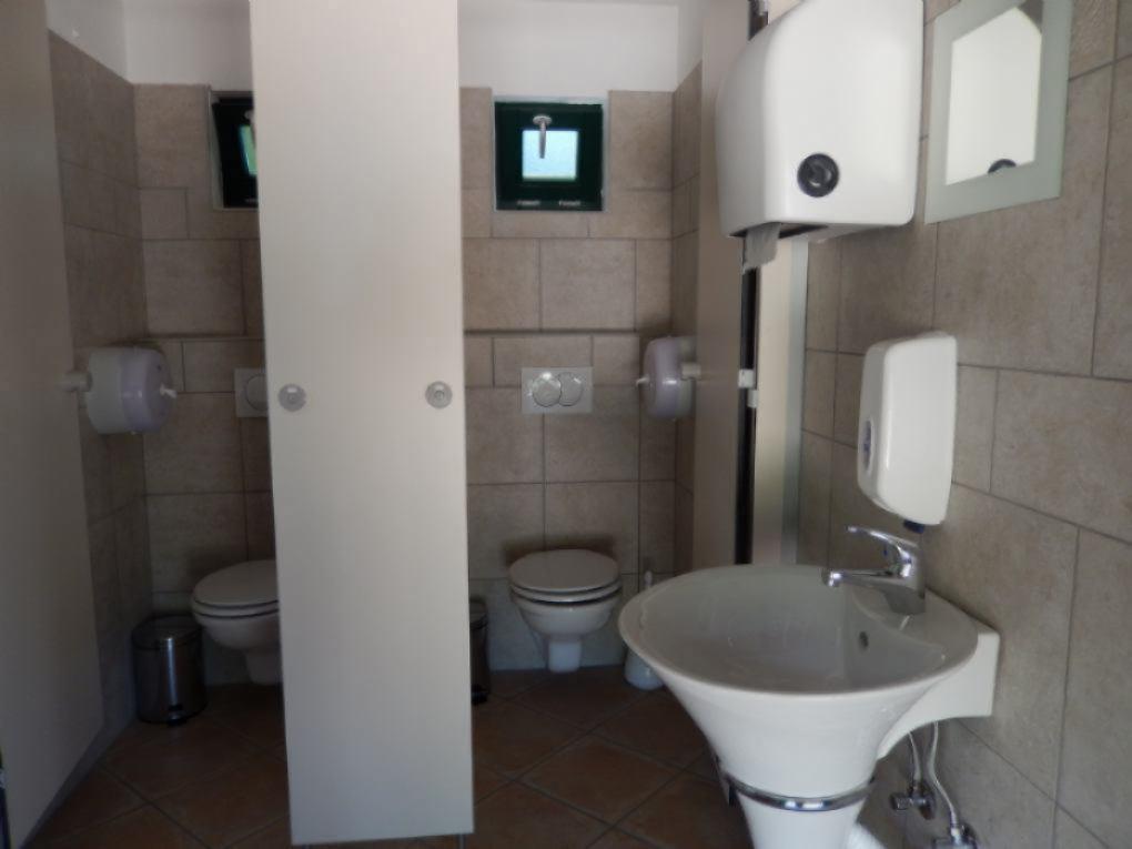 Beste chemisch toilet: branq tragbare toilette blau. reihe von